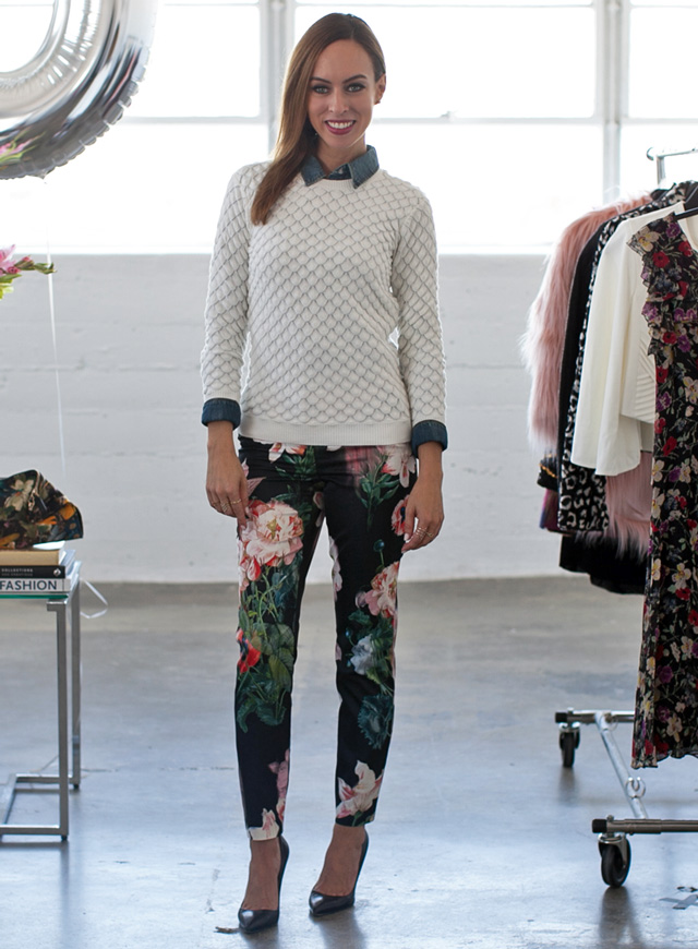 Sydne-Style-dark-florals-trend-fall-winter-2014-fashion-tutorial-youtube-ted-baker-printed-pants-sweater-chambray-shirt