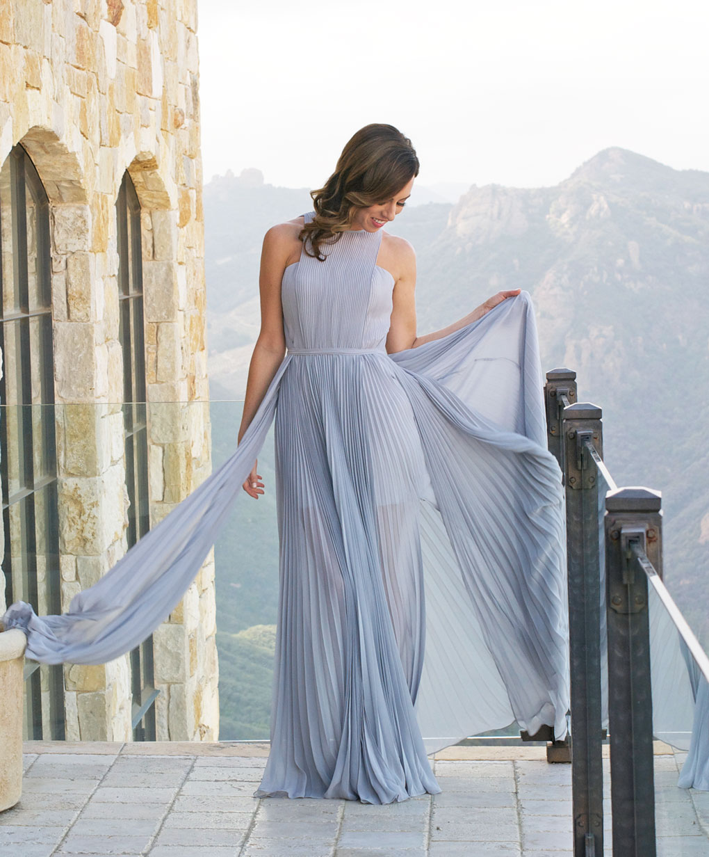 Sydne Style gives tips on where to order unique grey bridesmaid dresses