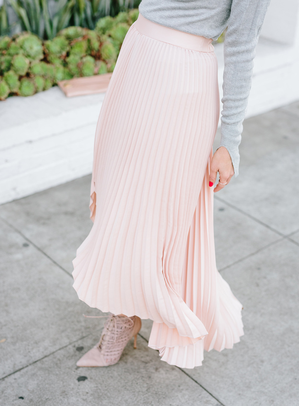 Sydne Style shows the best pleated skirts online for holiday parties