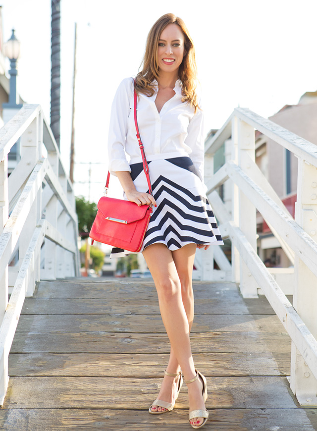 Sydne-Style-how-to-wear-a-striped-skirt-july-4th-outfit-ideas-red-white-and-blue-venice-canals-parker-new-york