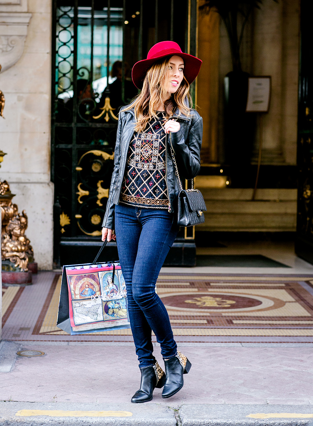 Sydne Style gives outfit ideas for what to wear in Paris as a fashion blogger street style