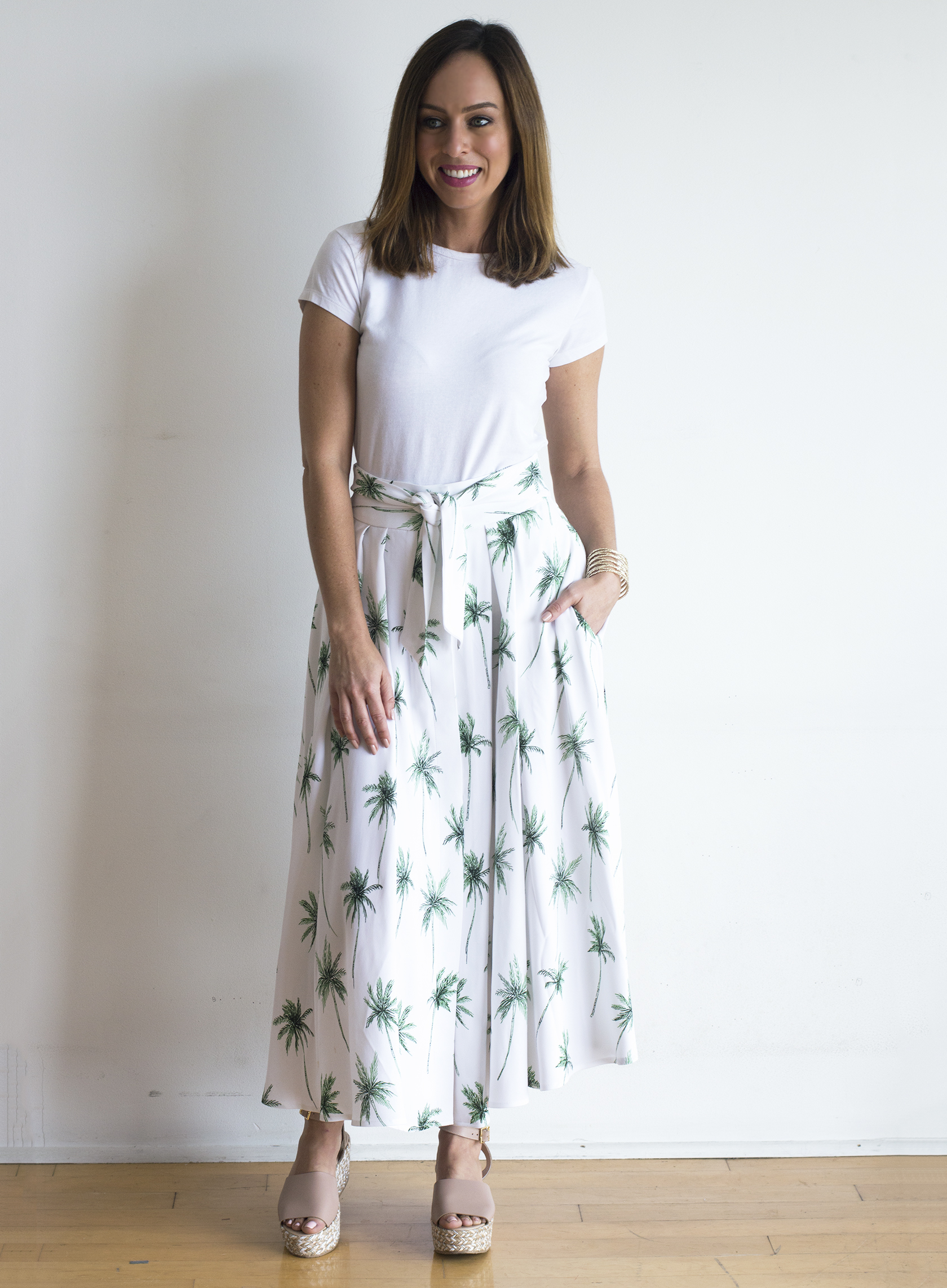 Sydne Style shows how to wear summer prints in milly palm tree skirt