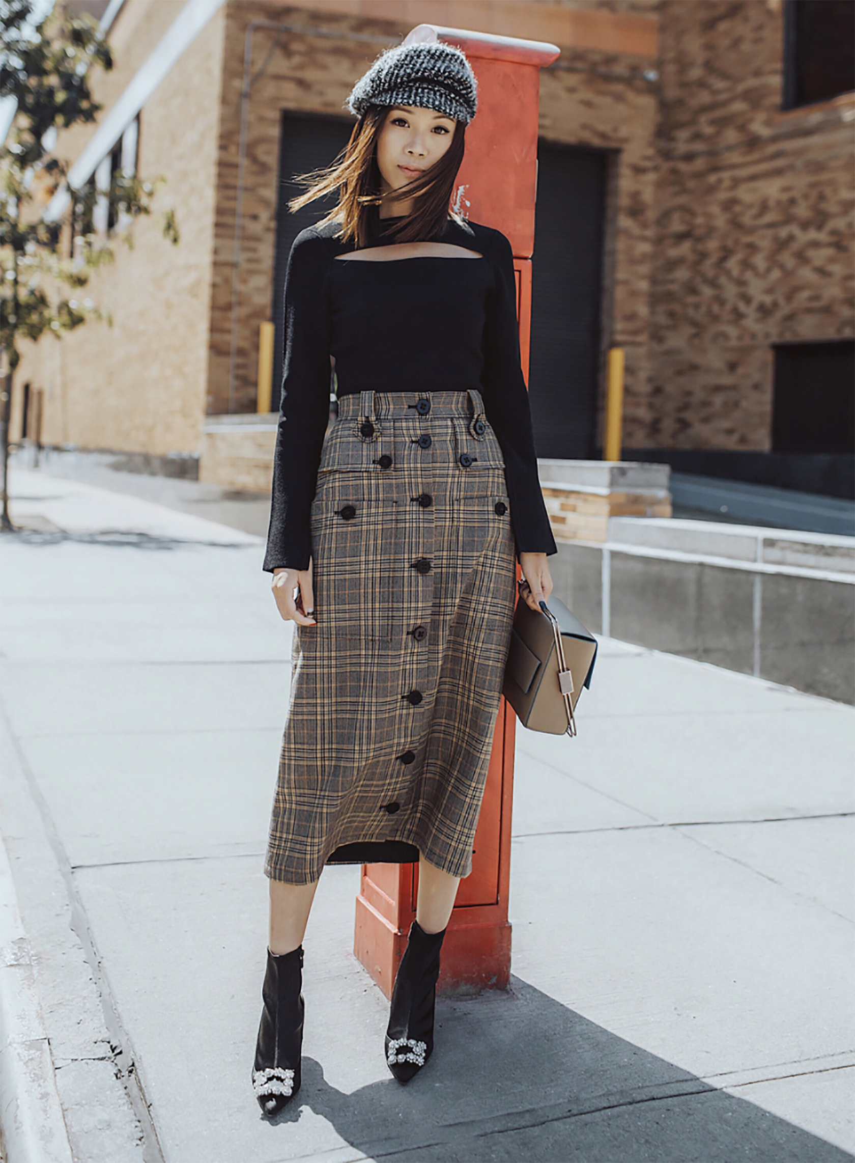 Sydne Style shows how to wear the newsboy hat trend for fall with fashion blogger tsangtastic