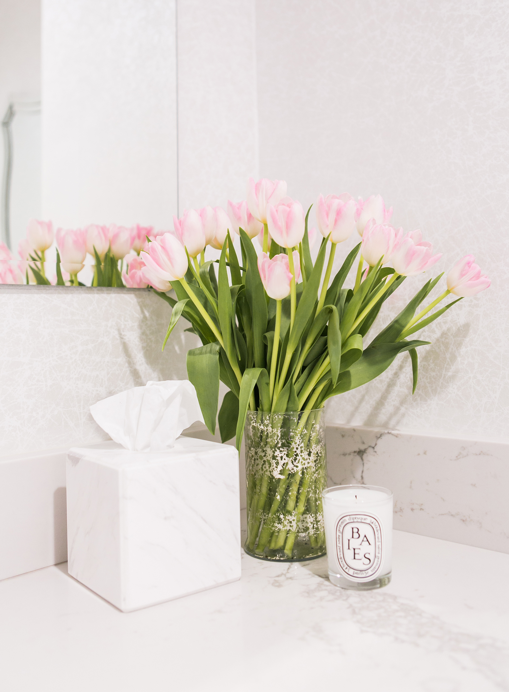 Sydne Style shares the best floral candles for the bathroom