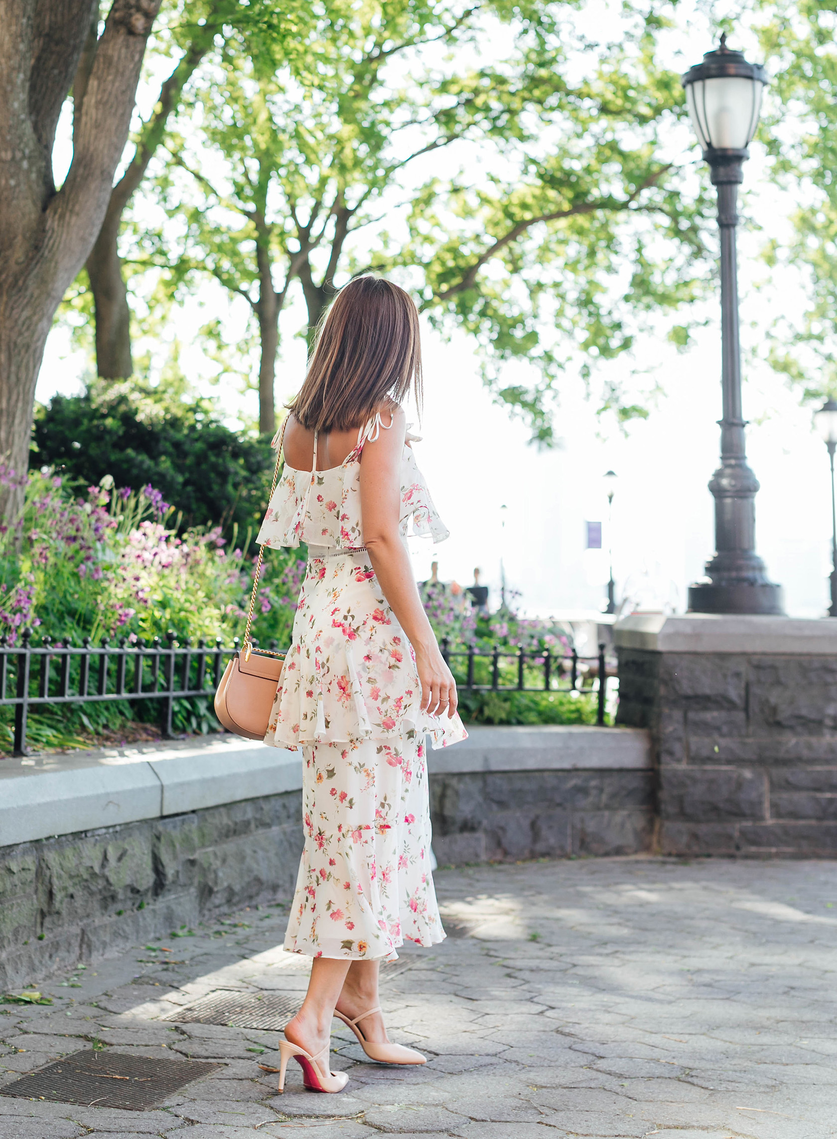 Sydne Style shows what should i wear to a bridal shower in summer