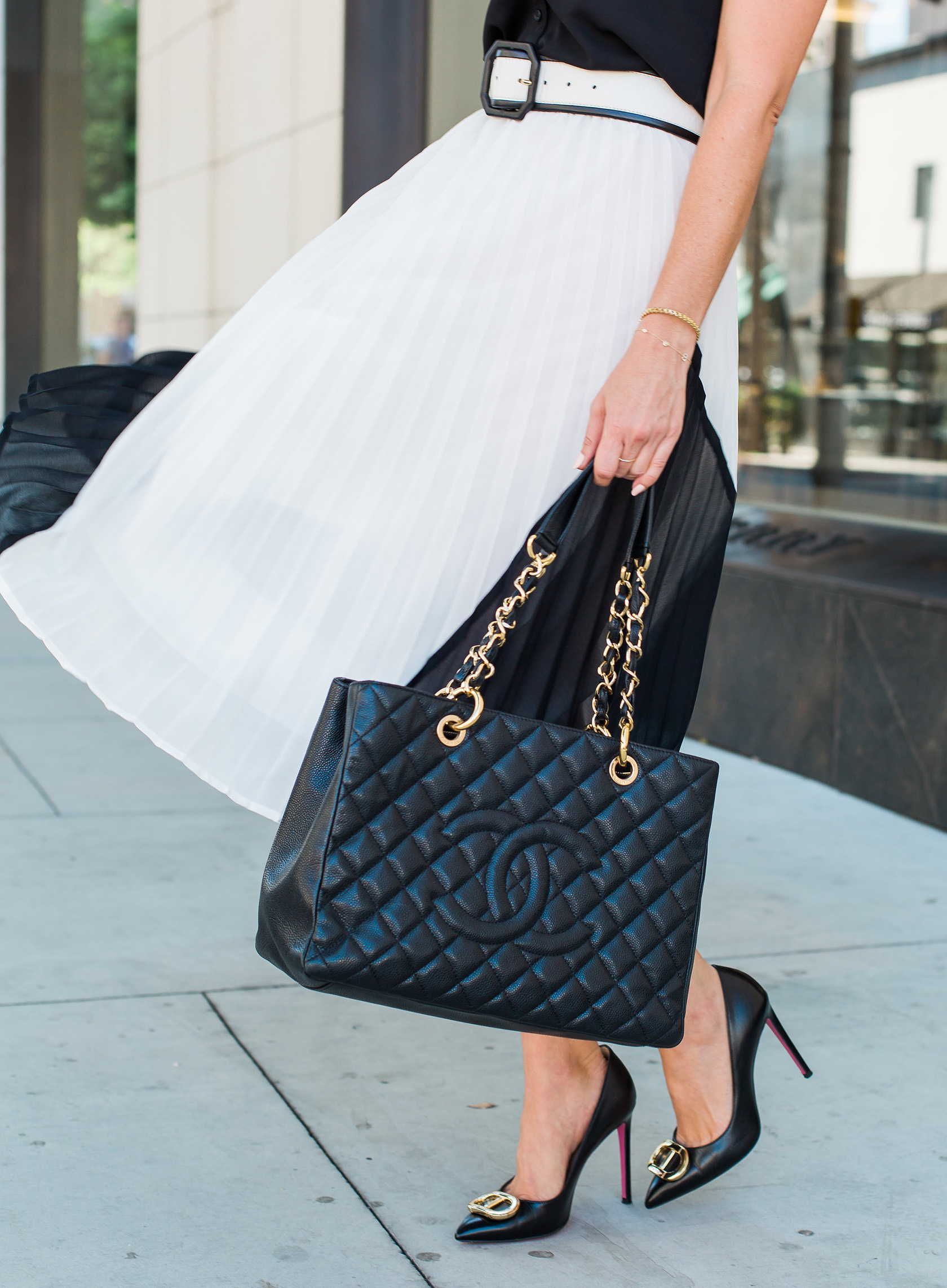 Sydne Style reviews chanel gst black bag for classic handbags
