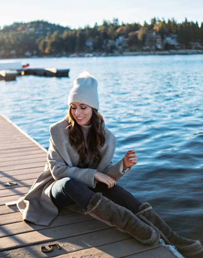 Cozy Travel Outfits for the Holidays