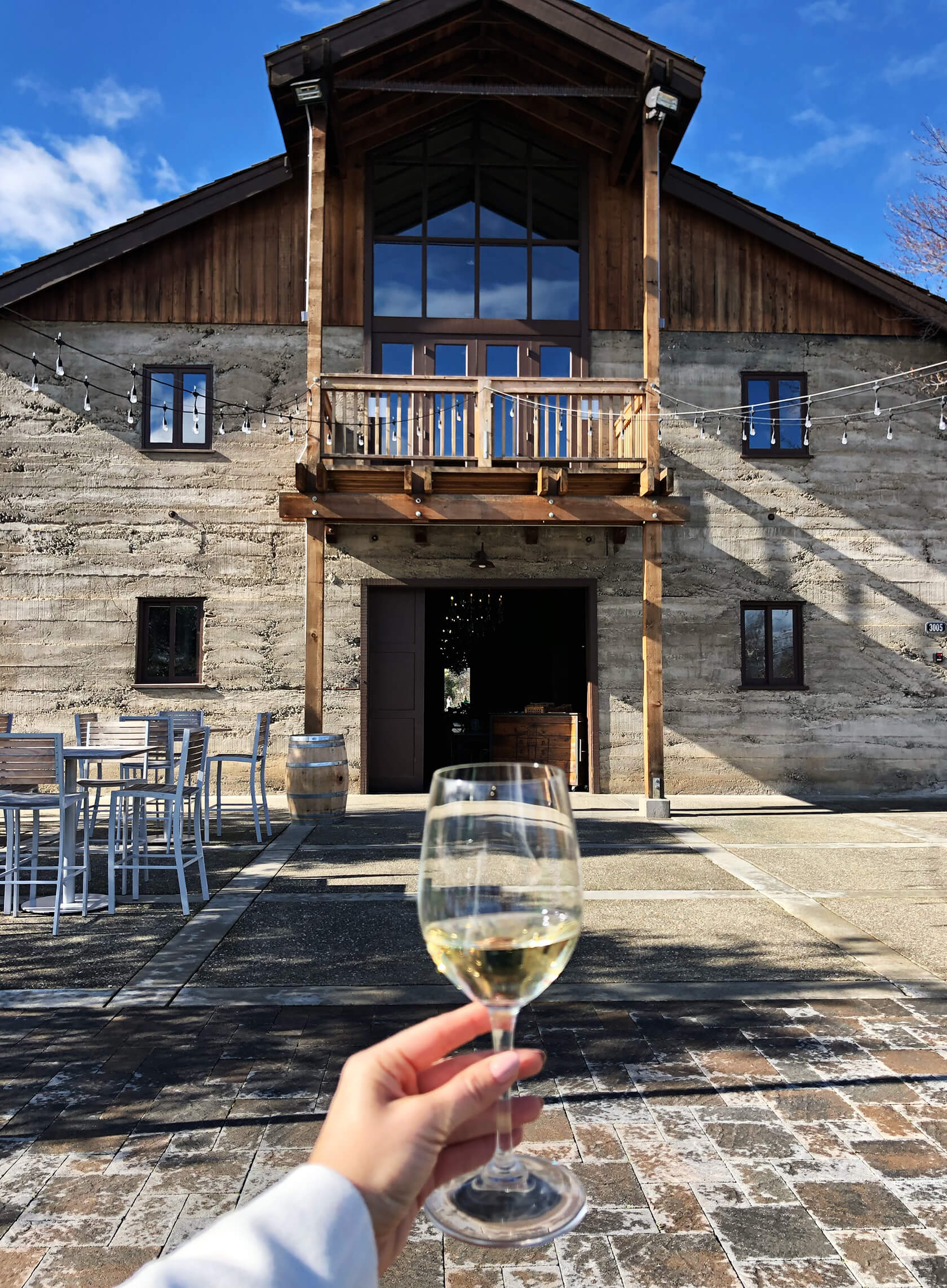 Sydne Style reviews Livermore Valley Wine Country with prettiest event location at murrieta's well