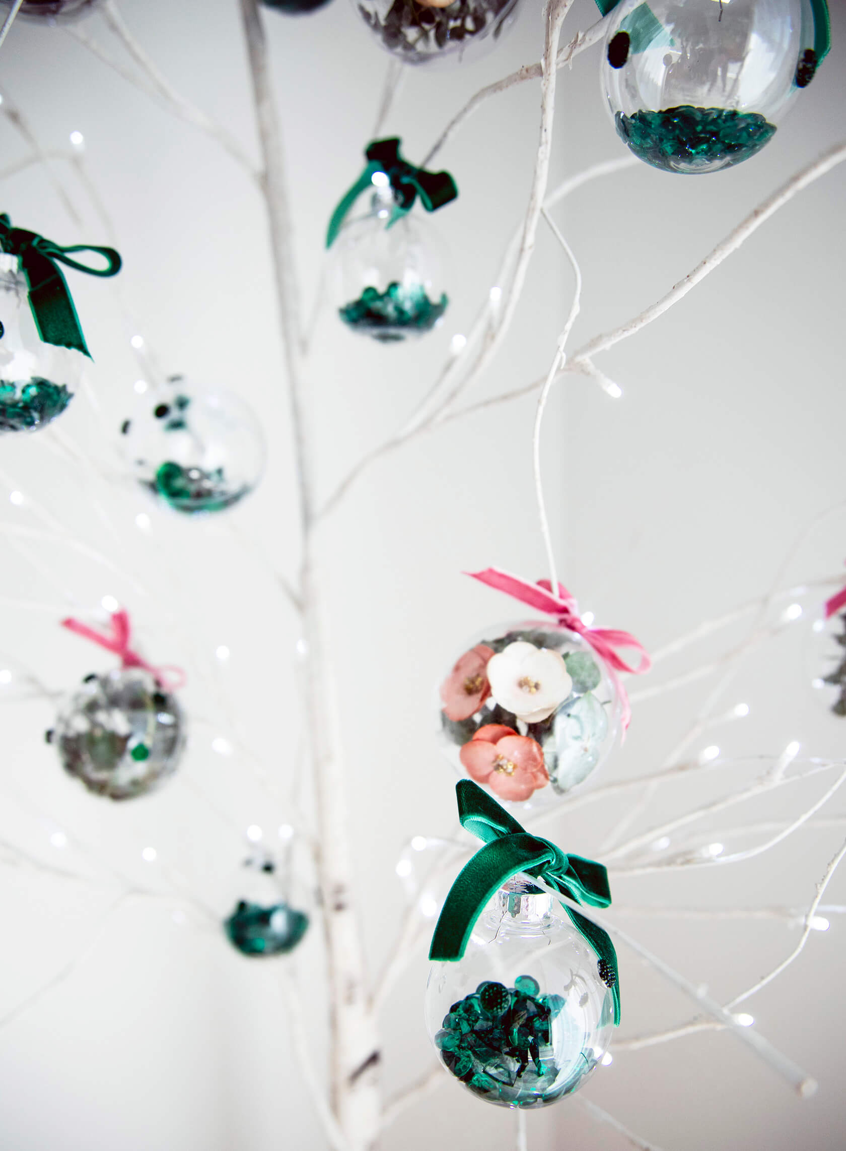 Sydne Style shows diy ornament ideas with emerald jewels and flowers